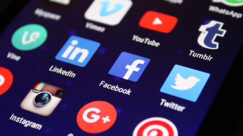 Report: Customers are more loyal to companies that are transparent on social media
