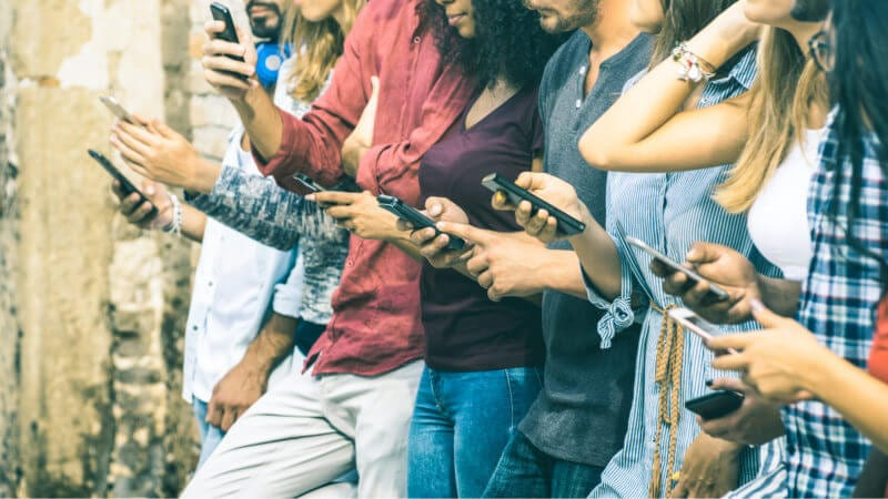 Survey: Teens cutting back on mobile screen, social media time